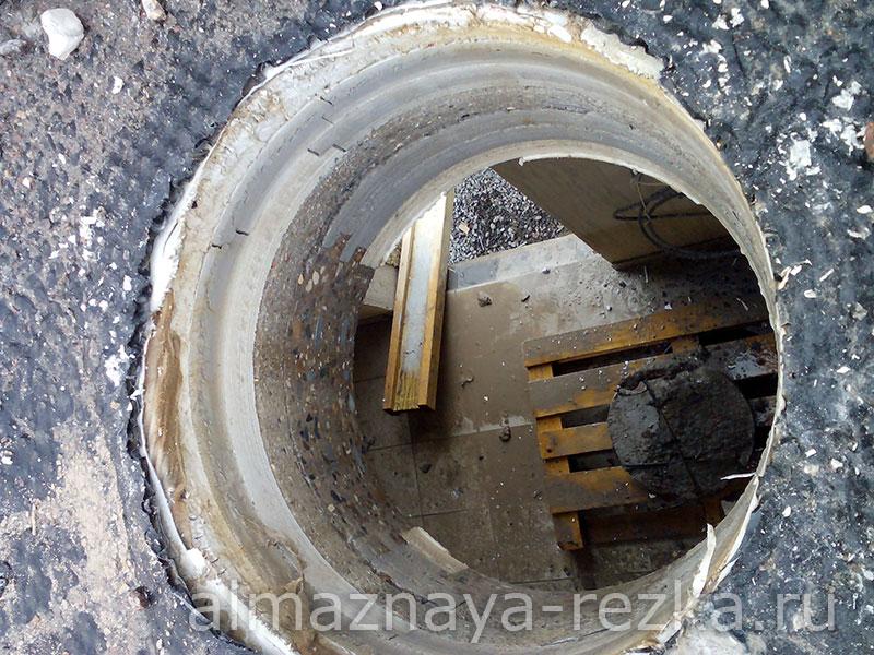 Пробуренное отверстие диаметром 500 мм под вентиляцию