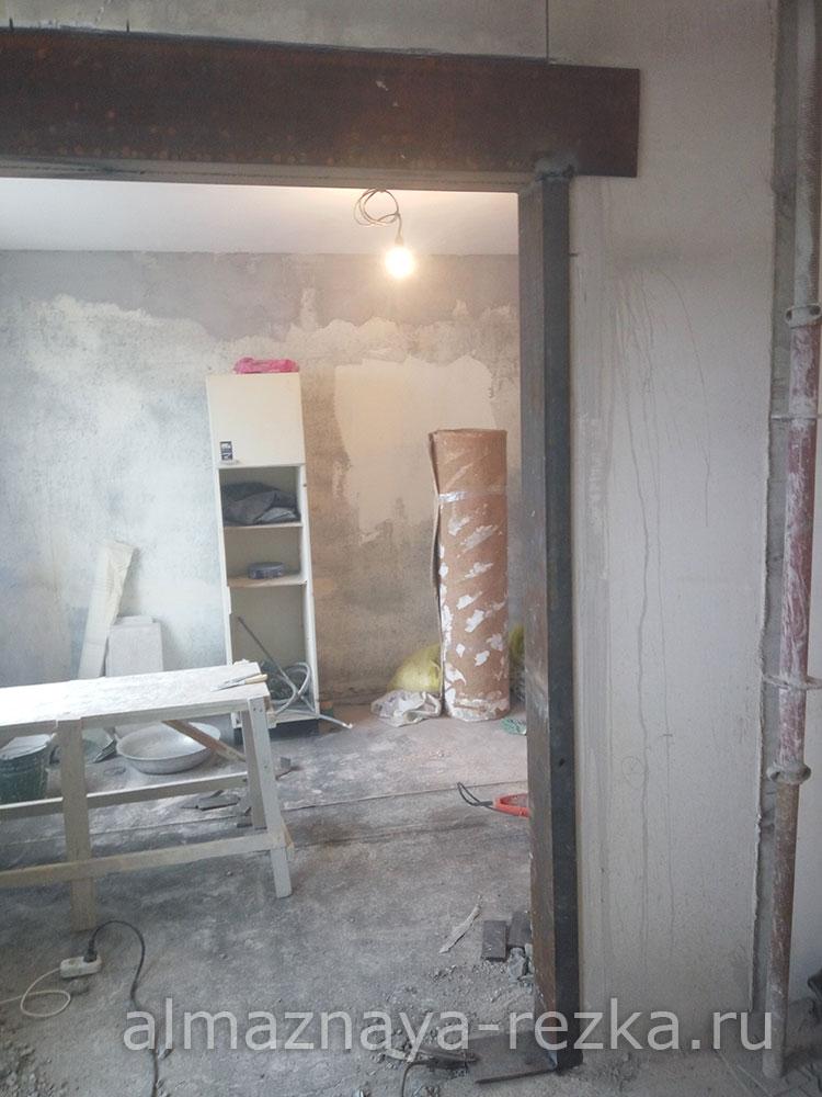 Дверной проем в несущей стене